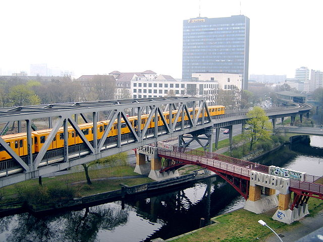 "Berlin U-Bahn Line 1 at ""Anhalter Steg"" by Steve Parker - Wikipedia"